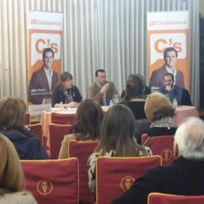 """""""Café Ciudadano"""" en Hellín para dialogar sobre Empleo, Sanidad y Economía"""