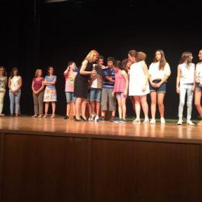 Carmen Picazo ha acudido a la entrega de los premios de la XXXIII Muestra de Teatro Infantil y Juvenil de Albacete