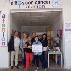 Los concejales de Ciudadanos visitan los stand de las asociaciones socio-sanitarias