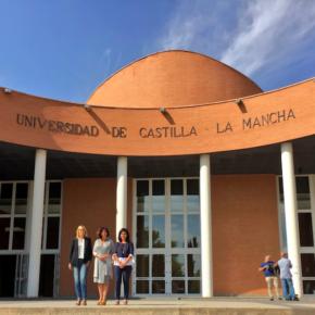 Carmen Picazo y Francis Rubio acuden al acto de Apertura del Curso Académico en el Paraninfo Universitario