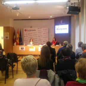 Carmen Picazo elogia el trabajo ofrecido por el servicio 'SerCuidador' de Cruz Roja