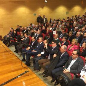 Carmen Picazo asisiste a las 'IV Jornadas Profesionales de Economía'