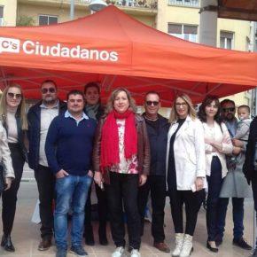 Decenas de hellineros se interesan por el proyecto de Ciudadanos