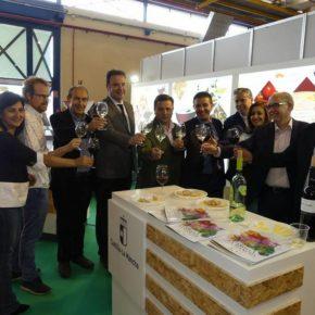 Francis Rubio asiste a la inauguración de Expovicaman