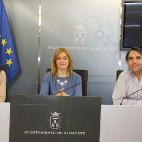 """Carmen Picazo: """"La venta irregular perpetúa la explotación de los vendedores y supone un grave perjuicio para los comerciantes albaceteños"""""""