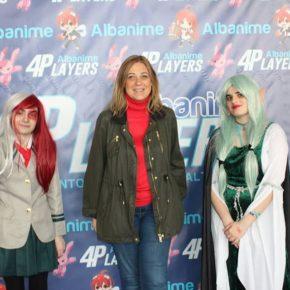 Carmen Picazo visita el salón 'Albanime 4Players'