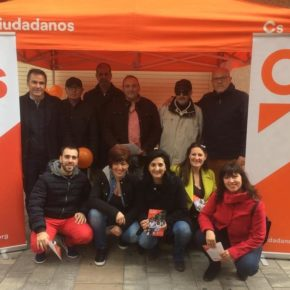 Gran acogida a nuestra carpa ciudadana en Almansa