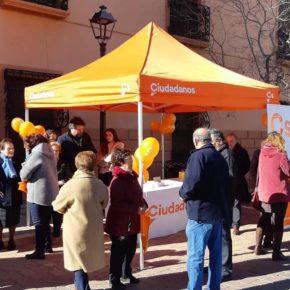 Gran éxito de la primera carpa informativa de Ciudadanos instalada en Pozohondo