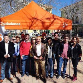 Ciudadanos celebra el éxito de su primera Carpa Informativa en Casas Ibáñez