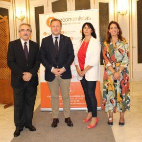 Vicente Casañ ha participado en la apertura del I Foro Profesional de Economía