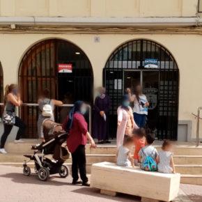 """Mario Artesero: """"El ayuntamiento debe regular el orden en las colas de espera a las puertas de comercios y edificios y promover la cita previa"""""""